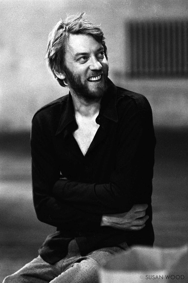 Donald Sutherland younger photo one at pinterest.com