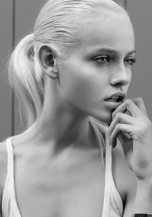 Ginta Lapina younger photo one at pinterest.com