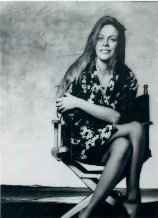 Rickie Lee Jones younger photo two at pinterest.com