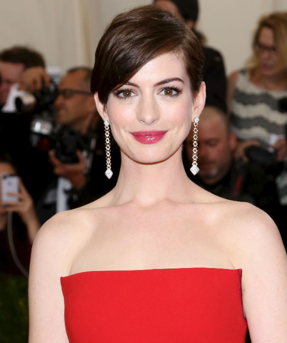 Anne Hathaway Brothers: 15 Proud Celebrities With Gay Relatives