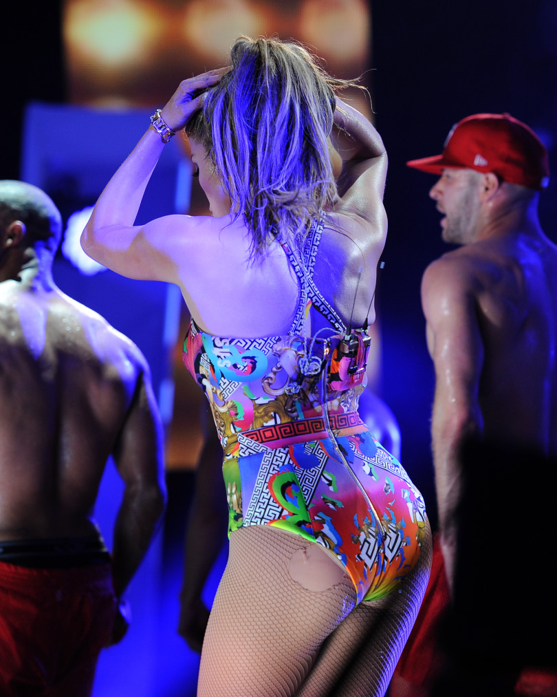Wardrobe Malfunctions, Jennifer Lopez