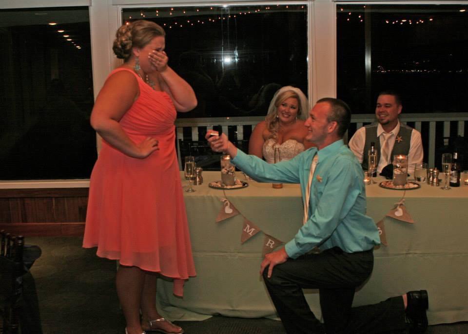 bridesmaid gets engaged at friend's wedding (Imgur)