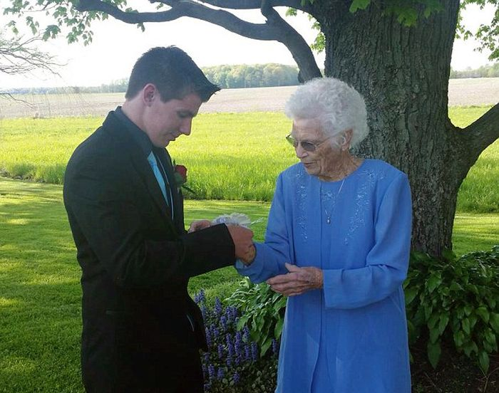 Teen takes grandmother to prom