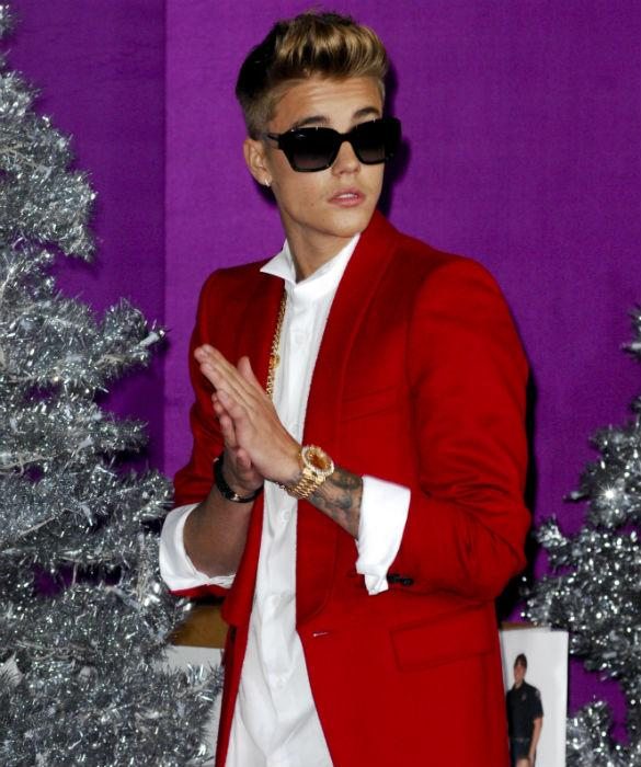 PICCONN: Justin Bieber Fears Cops will Find Naked Pics