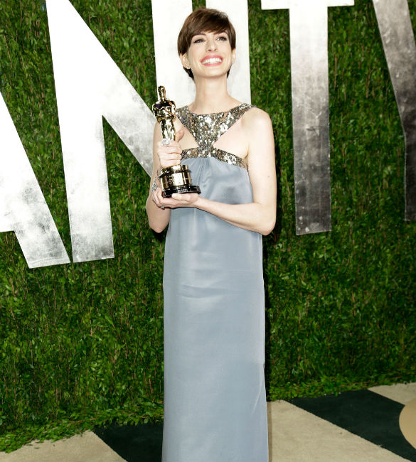 Anne Hathaway Brothers: Anne Hathaway: I Cried Like A 'Mental Patient' Following