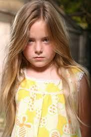 Madison Davenport, foto de infância um em pinterest.com
