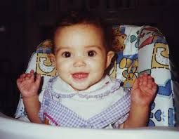 Madison Pettis, foto de infância um em pinterest.com