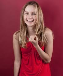 Olivia DeJonge childhood photo one at pinterest.com