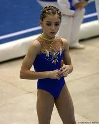 Aliya Mustafina, foto de infância um em pinterest.com