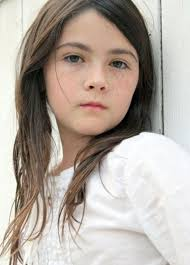 Isabelle Fuhrman childhood photo two at pinterest.com